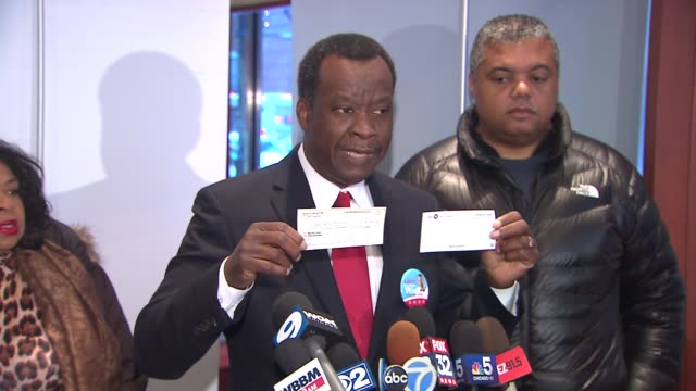 Businessman Willie Wilson writes $1 million check for own mayoral campaign in Chicago on Jan 5 2015
