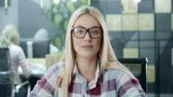 Geschäftsfrau, die Videokonferenz