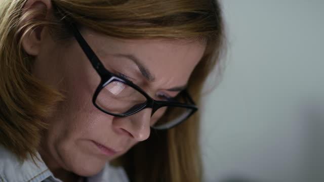 CU Businesswoman using a smart phone