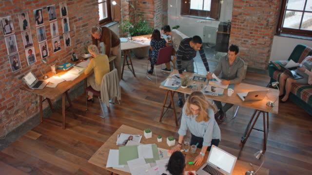 CS upptagen startup företag office
