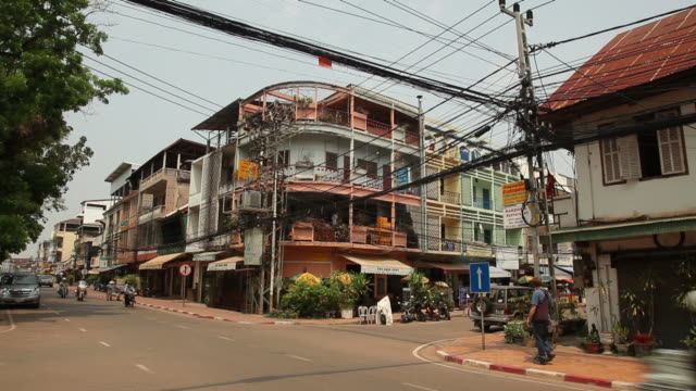 WS Busy street intersection / Vientiane, Laos