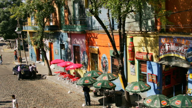 T/L, MS, HA, Busy street with outdoor cafe, La Boca, Buenos Aires, Argentina