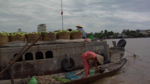 WS POV PAN Cai Rang floating market, Can Tho, Vietnam