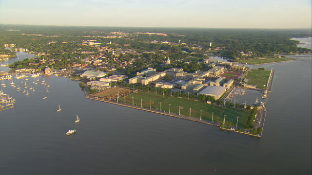 WS AERIAL TD ZI Campus of US Naval Academy with historic district of Annapolis / Annapolis, Maryland, United States