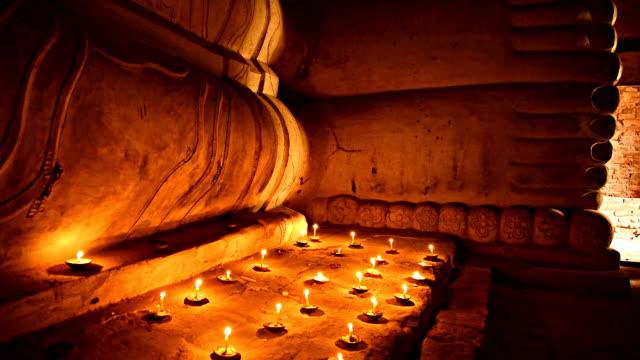 Kerzen Licht mit buddha Bild in Bagan, Myanmar