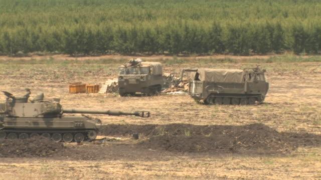 Cannons on the Israel Lebanon border near kibutz Dafna, Israel Lebanon war, July 30 2006