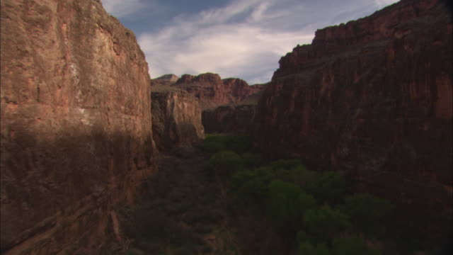 LOW AERIAL, Canyon river, Grand Canyon National Park, Arizona, USA