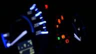 Cruscotto auto di notte