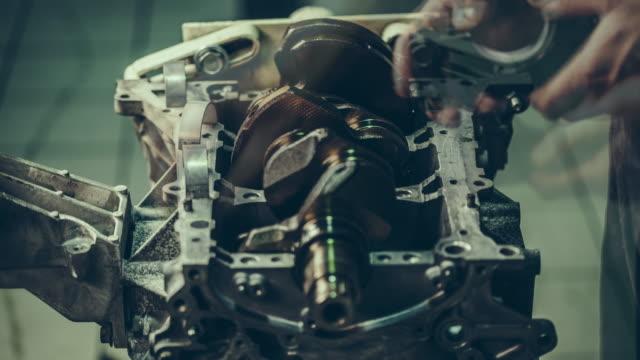 V8 Auto-motor-Reparatur. Time Lapse 4 k Video