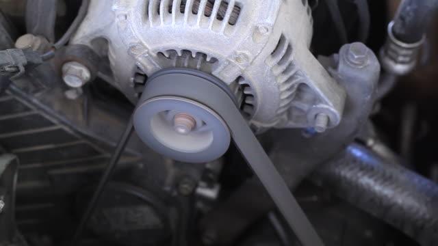 Auto-Motor starten