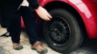 HD - Car Wheel Unscrewing