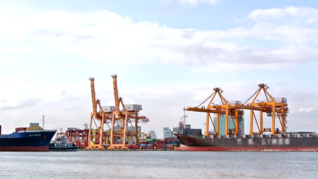 Cargo ship depart from Bangkok Shipyard Time Lapse for logistic