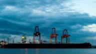 Cargo Schiff Beladen im Hafen, Zeitraffer