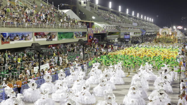 TL, WS, HA Carnival parade and crowds in Sambadrome / Rio de Janeiro, Brazil