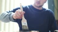 Tischler Malerei Holz bei Holzindustrie.
