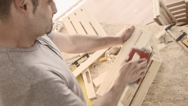 Carpentiere Invia un scatola in legno