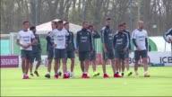Catorce jugadores dan el puntapie inicial a los entrenamientos de Argentina en camino a la Copa America Chile 2015 mientras esperan a los companeros...