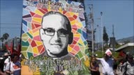Centenares de salvadorenos demandaron justicia el viernes al conmemorar el 37 aniversario del asesinato del arzobispo Oscar Arnulfo Romero y...