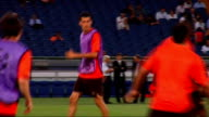 Barcelona training Various of players training