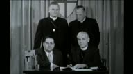 Chicago church leaders signing an agreement in 1960