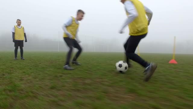 HD: Barnen fotboll behändigheten bildning.