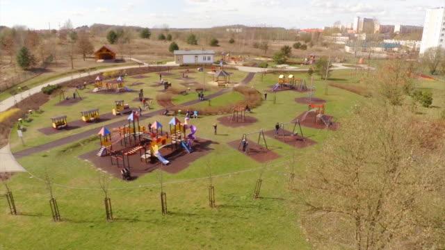 Veduta aerea di campo giochi per bambini