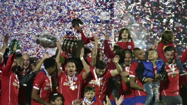 Chile gano la Copa America tras derrotar a Argentina por 4 a 1 en penales en una disputada final en el Estadio Nacional de Santiago de Chile