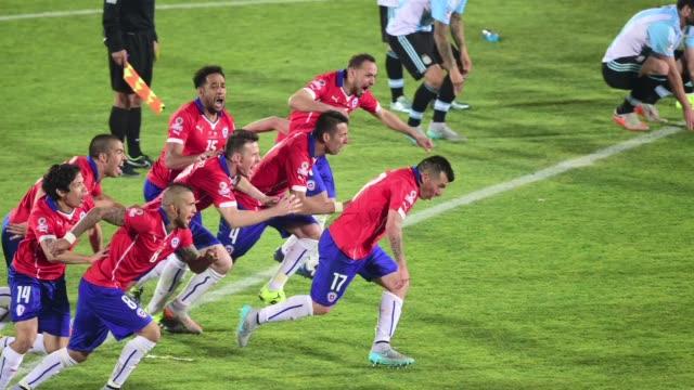 Chile se corona como campeona de la Copa America 2015 despues de derrotar a Argentina por 4 a 1 en ronda de penales