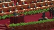 China anuncio este jueves una reduccion en su meta oficial de crecimiento a un 7% para 2015 en medio de una desaceleracion economica que afecta...