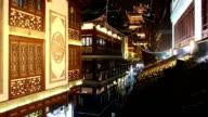 Kina, Shanghai, Yu Yuan te trädgårdar, upptagen med människor