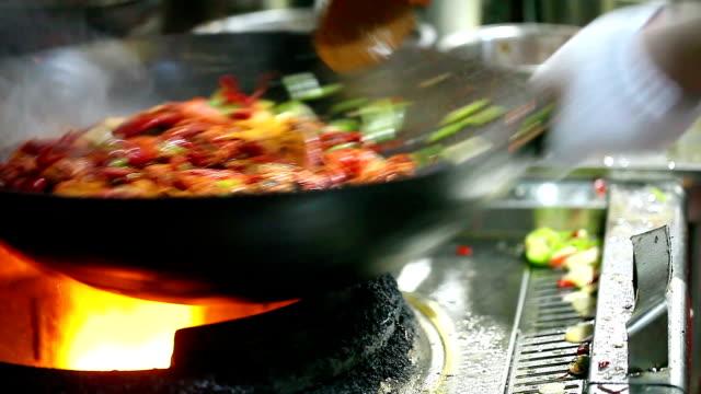 Chinesische kleine Hummer Rühren braten in der Küche