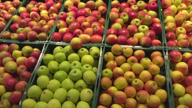 choice of apples in a supermarket