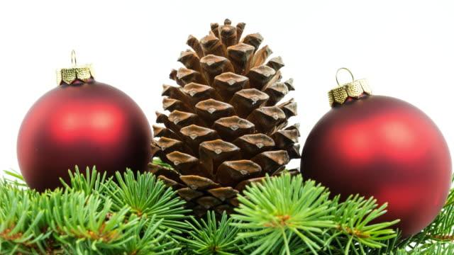 Weihnachtsdekoration auf weißem (4k