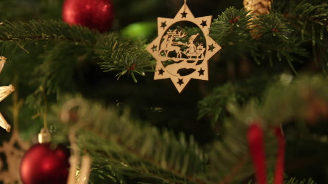 Christmas tree with hand made decorations panning
