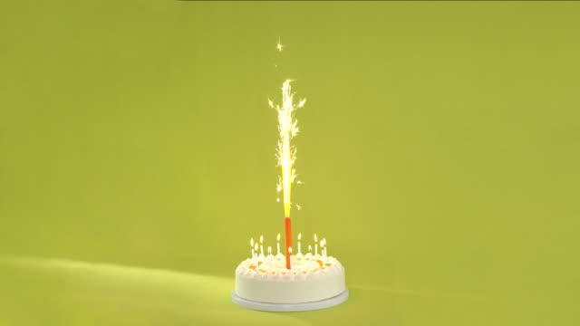 cinemagraph 4k loop - tart with candles and fountain