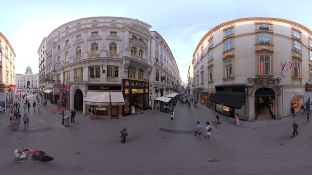 360VR cities 4K video tourists in Vienna