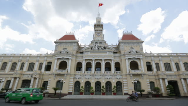 WS City Hall in Ho Chi Minh City with traffic