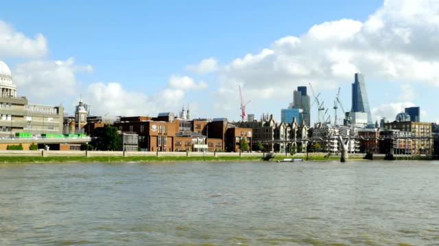 POV City Of London und Millennium Bridge