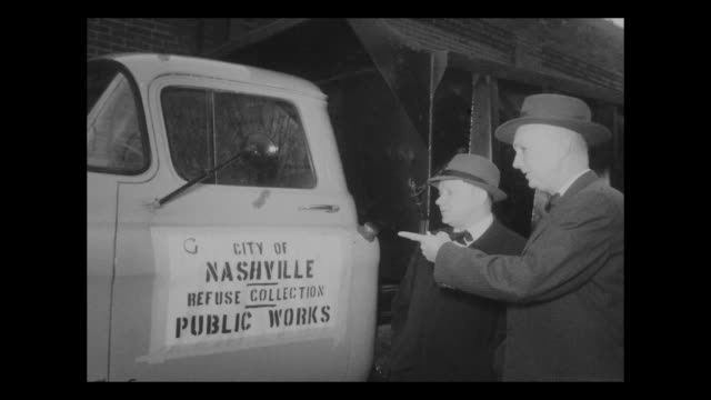 City of Nashville Refuse Garbage Collection Public Works Truck 2 White Men Standing Pointing Wearing Hats