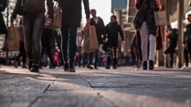 City Pedestrian, Street Level