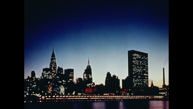 WS cityscape of midtown Manhattan at dusk / Midtown Manhattan, New York City, New York State, United States