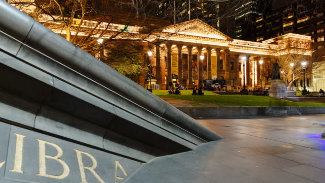 4K Cityscapes Time-lapse:  Melbourne Library and people