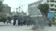 Clashes between Cairo university students and police resumed on Tuesday after the death of a student on Monday during clashes between supporters of...