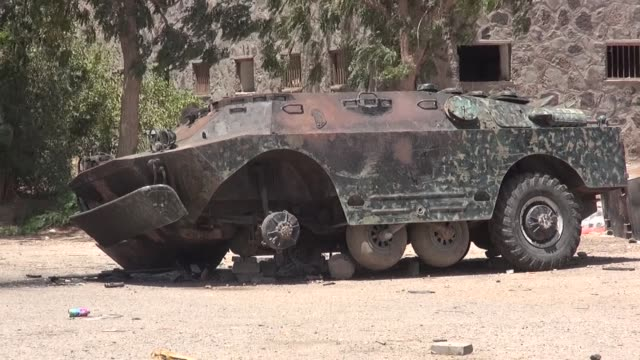 Clashes on Friday in south Yemen between security forces and armed groups including AlQaeda militants as well as separatists killed 29 people a...