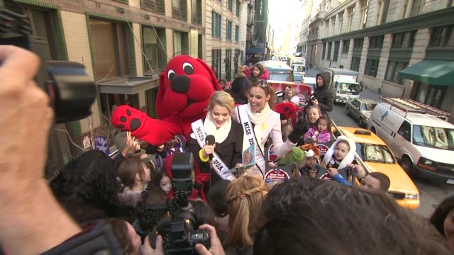 Clifford the Big Red Dog Miss Teen USA Danielle Doty Miss USA Alyssa Campanella and children at 2012 World Read Aloud Day Celebration on 3/7/2012 in...