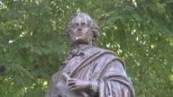 close up Mendelssohn monument