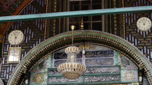 Close up of the exquisitely craved doorway of the Shah-I-Hamdan Mosque, an architectural marvel of the Kashmir valley