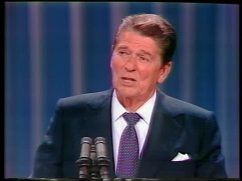 1984 close up Ronald Reagan making speech at Republican National Convention / Dallas