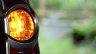 Blick auf ein Auto Blinker hautnah