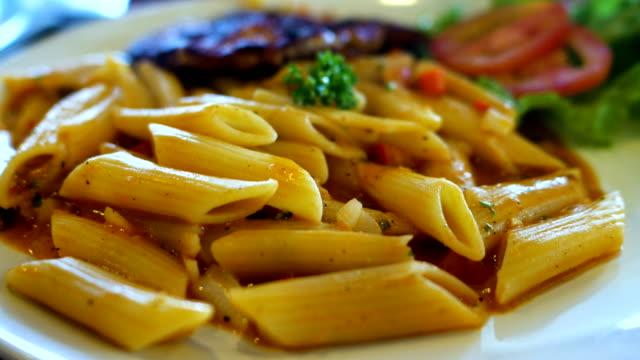 Close-up heißen italienischen Nudeln